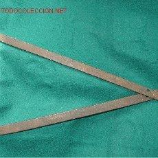 Antigüedades: ANTIGUO COMPAS DE HIERRO - CARPINTERO -. Lote 14713919