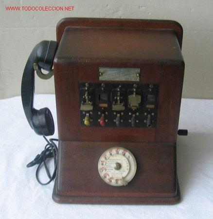 CENTRALITA DE MADERA CON METALES ...1941 PARÍS (Antigüedades - Técnicas - Teléfonos Antiguos)