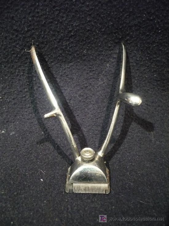 PEQUEÑA MAQUINILLA CORTAR PELO. 11 CM LARGO 3X3CM PLANTA (Antigüedades - Técnicas - Barbería - Varios Barbería Antiguas)