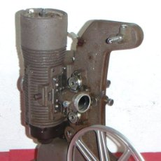 Antigüedades: PROYECTOR BELL HOWELL GAUMONT DE 8 MM. Lote 11083589