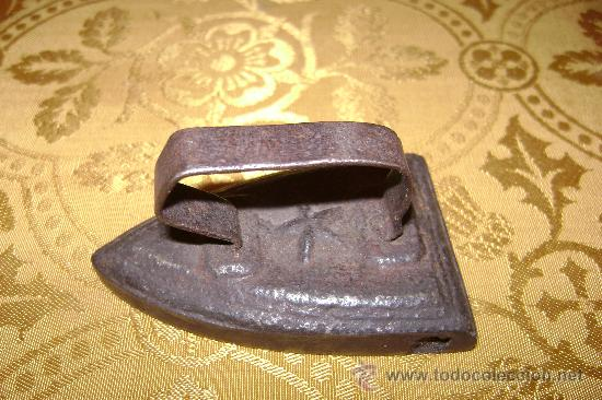 PLANCHITA DE HIERRO (Antigüedades - Técnicas - Planchas Antiguas - Hierro)