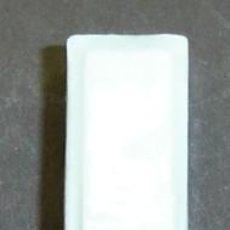 Antigüedades: FUSIBLE ANTIGUO PEQUEÑO DE CERAMICA. Lote 11528719