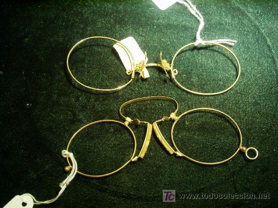 DOS PARES DE LENTES SIN PATILLAS SOLO PARA USAR EN LA NARIS. (Antigüedades - Técnicas - Instrumentos Ópticos - Gafas Antiguas)