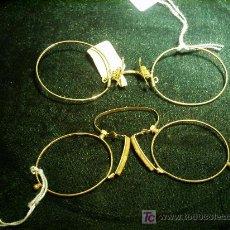Antigüedades: DOS PARES DE LENTES SIN PATILLAS SOLO PARA USAR EN LA NARIS.. Lote 26891266