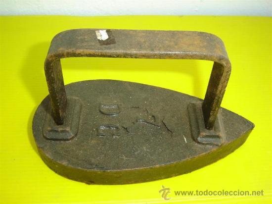 PLANCHA DE HIERRO ANTIGUA Nº 7 (Antigüedades - Técnicas - Planchas Antiguas - Hierro)