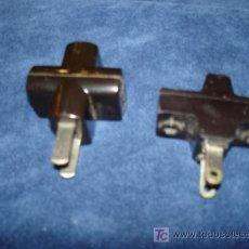 Antigüedades: MATERIAL ELECTRICO - ANTIGUAS CLAVIJAS DE BAQUELITA - AFM. Lote 11597077