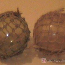Antigüedades: INTERESANTE Y ANTIGUA PAREJA DE BOLAS CRISTAL CON RED PARA LA PESCA SE ACEPTAN OFERTAS RAZONABLES. Lote 26894919