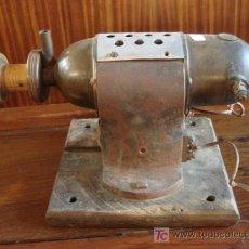 Antigüedades: MOTOR ELECTRICO MUY ANTIGUO. Lote 26363620