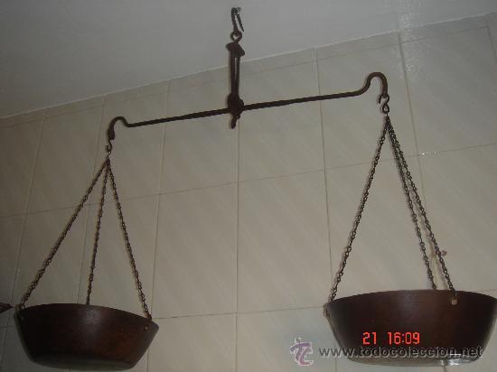 BALANZA DE PLATOS ANTIGÜA -FORJA SIGLO XVIII- (Antigüedades - Técnicas - Medidas de Peso - Balanzas Antiguas)