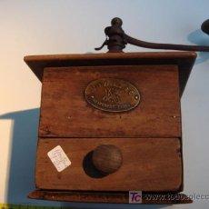 Antigüedades: MOLINILLO DE CAFE ANTIGUO DE MADERA. Lote 27417736
