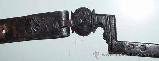 Antigüedades: EXCEPCIONAL CERRADURA DE HIERRO FORJADO SIGLO XVII - XVIII DE FORJA, JUNTO CON SUS CLAVOS Y CON ACCE - Foto 5 - 26578096