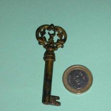Antigüedades: LLAVE DE FORJA ANTIGUA Y MUY RARA Y BONITA. Lote 23344112