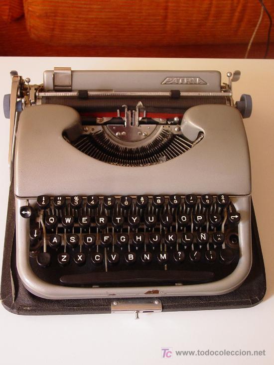 ANTIGUA MÁQUINA DE ESCRIBIR. (Antigüedades - Técnicas - Máquinas de Escribir Antiguas - Patria)