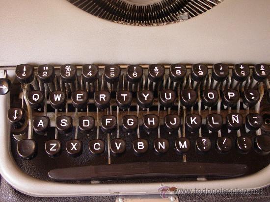 Antigüedades: Antigua máquina de escribir. - Foto 3 - 26508348