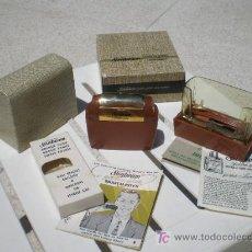 Antigüedades: ANTIGUA MAQUINILLA DE AFEITAR. Lote 26651904