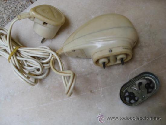 Antigüedades: ANTIGUA MAQUINILLA DE AFEITAR ELECTRICA BITENSION FUNCIONANDO - PHILISHAVE APROX 1960 - Foto 2 - 20871088