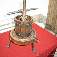 Antigüedades: PRENSA DE HIERRO Y MADERA. Lote 26420205
