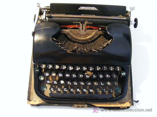 MAQUINA DE ESCRIBIR, MECANOGRAFIA, MARCA PATRIA (Antigüedades - Técnicas - Máquinas de Escribir Antiguas - Patria)