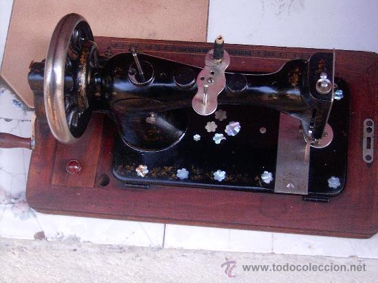 Antigüedades: maquina de coser - Foto 2 - 14522963