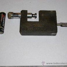 Antigüedades: CANDADO DE BRONCE GRANDE DE SEGURIDAD * CISA 265/77 *. Lote 15123247