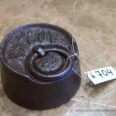 Antigüedades: ANTIGUA PESA DE HIERRO. Lote 26171207