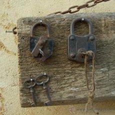 Antigüedades: CANDADOS CON LLAVES ANTIGUOS. Lote 27564143