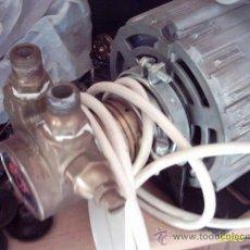 Antigüedades: PEQUEÑO MOTOR ELÉCTREICO RPM POSIBLEMENTE DE CAFETERA.. Lote 20381795