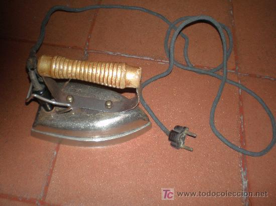 Antigüedades: antigua plancha electrica (funcionando a 125V) - Foto 2 - 26325433
