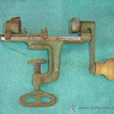 Antigüedades: PRENSADOR DE CARTUCHO. Lote 15519303