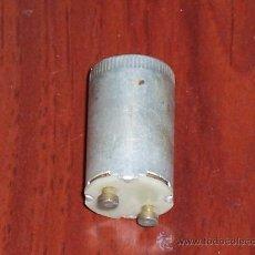 Antigüedades: ANTIGUO CEBADOR METALICO- PARA FLUORESCENTES , TUNGSRAM - 25-80W/220-250V ( NO FUNCIONA ). Lote 25996477