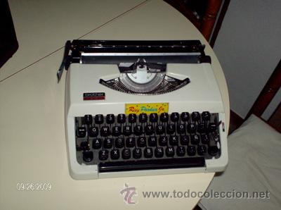 MAQUINA DE ESCRIBIR PORTATIL (Antigüedades - Técnicas - Máquinas de Escribir Antiguas - Otras)