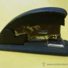 Antigüedades: GRAPADORA METAL .- MARCA SIMES.- AÑOS CUARENTA. .- FUNCIONA. Lote 27269594