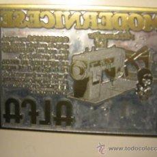 Antigüedades: CHAPA DE IMPRENTA PUBLICIDAD MAQUINAS DE COSER ALFA (). Lote 16987102