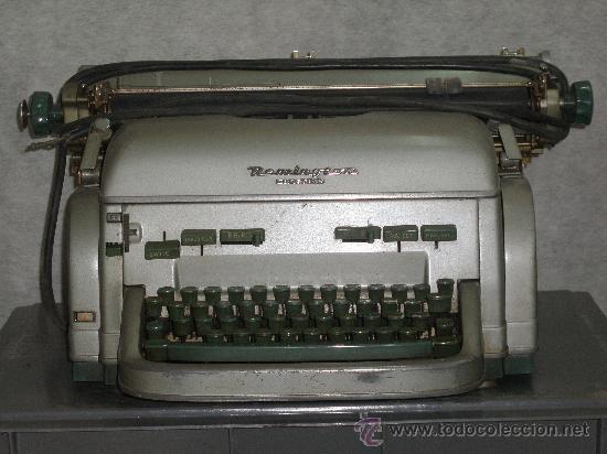 MAGNIFICA REMINGTON RAND ELECTRICA - SUPER SOLIDA MAQUINA DE ESCRIBIR. COLECCION. (Antigüedades - Técnicas - Máquinas de Escribir Antiguas - Remington)