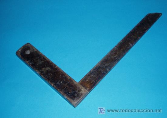 Antigüedades: ESCUADRA DE CARPINTERO. DIMENSIONES 18,5 X 34 CM - Foto 2 - 23829017