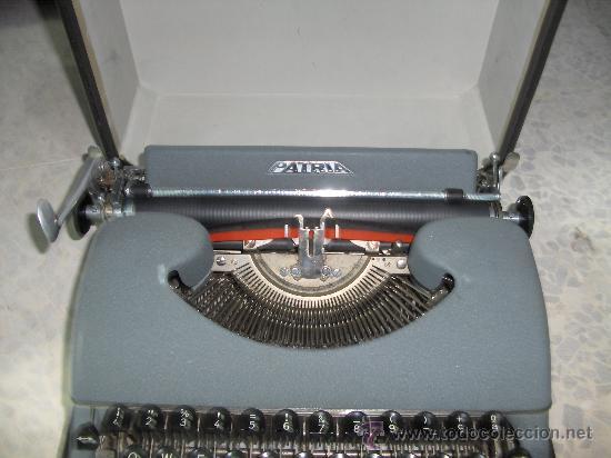 MAQUINA DE ESCRIBIR MARCA PATRIA (Antigüedades - Técnicas - Máquinas de Escribir Antiguas - Patria)