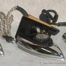 Antigüedades: PLANCHA ELECTRICA FUNCIONANDO. Lote 32195373