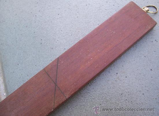 Antigüedades: medida de sastre de caoba con gancho para colgar de laton (45x3,5cm aprox) - Foto 3 - 24247291