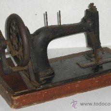 Antigüedades: MACHINES A COUDRE - MOLO - 37 B. ROCHECHOUART - MAQUINA COSER ANTIGUA. Lote 17803360