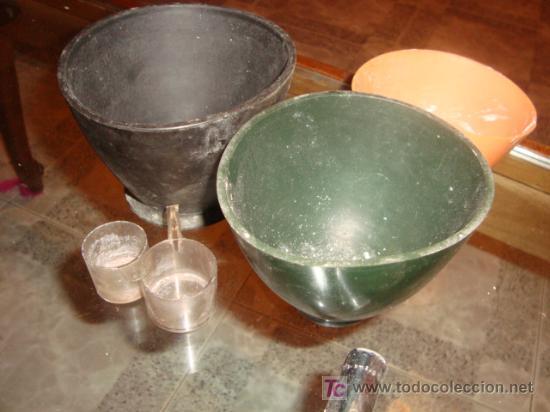Antigüedades: lote de mescladores goma de protesico dental y dos medidores de plastico, - Foto 2 - 25271355
