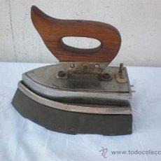 Antigüedades: PLANCHA ANTIGUA ELECTRICA. Lote 18666358