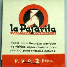 Antigüedades: CAJA PAPEL LA PAJARITA PARA LIMPIEZA VIDRIOS CRISTALES ÓPTICOS LENTES PAPELERAS REUNIDAS AÑOS 50. Lote 18738847