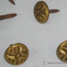 Antigüedades: ANTIGUAS TACHUELAS BRONCE CON TORNILLO - CALIDAD SOLIDEZ Y - VER FOTOS. Lote 110260444