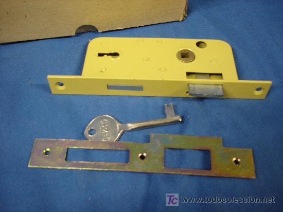 Cerradura para puerta de madera marca ilargi re comprar - Llaves antiguas de puertas ...