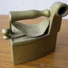 Antigüedades: PLANCHA CHIMENEA PINTADA DE PURPURINA. Lote 20281534