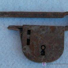 Antigüedades: CANDADO GRANDE 14 CM DE ANCHO. Lote 26941658