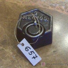 Antigüedades: ANTIGUA PESA DE HIERRO. Lote 26104447