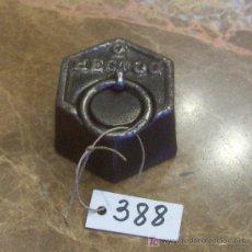 Antigüedades: ANTIGUA PESA DE HIERRO. Lote 26104451