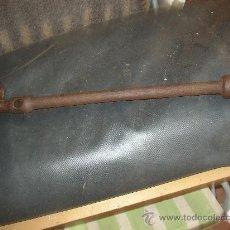 Antigüedades: ANTIGUA LLAVE DE TUERCAS TIPO TUB O DE HERRERO CON MARCA. MUY GRANDE, 50 CMS. Lote 21316691