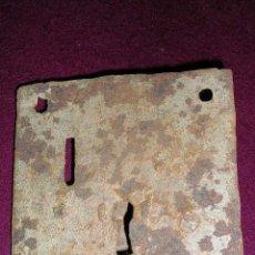 Antigüedades: CERRADURA DE PUERTA FORJA. ANTIGUA. SIN LLAVE. MED:10,5X10 CM. . Lote 24988898